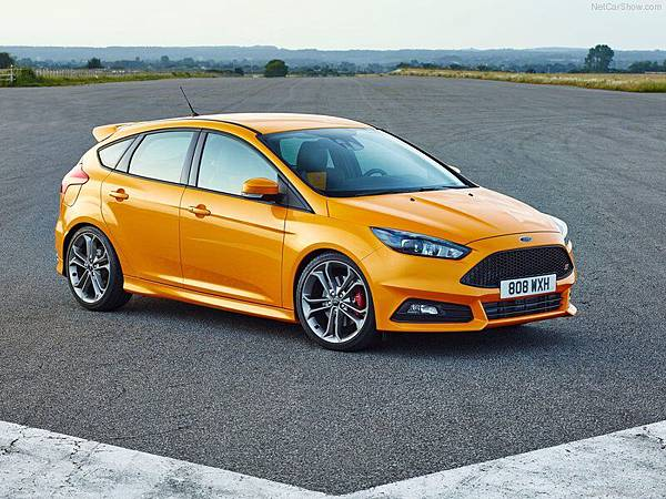Ford-Focus_ST_2015_800x600_wallpaper_01