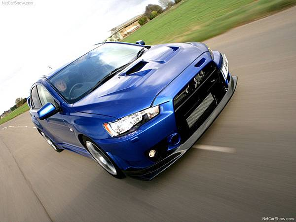 Mitsubishi-Lancer_Evolution_X_FQ-400_2010_800x600_wallpaper_0c