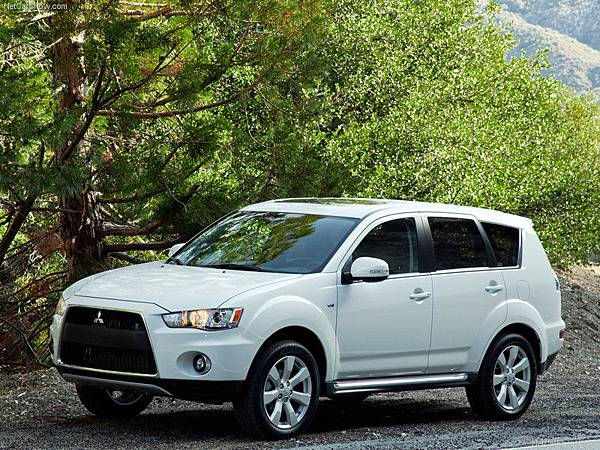 Mitsubishi-Outlander_GT_2010_800x600_wallpaper_06