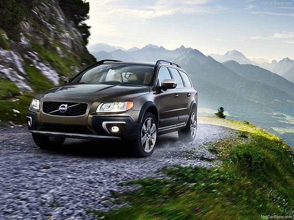Volvo-XC70_2014_800x600_wallpaper_02