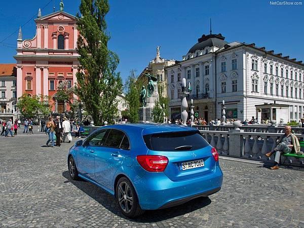 Mercedes-Benz-A-Class_2013_800x600_wallpaper_73