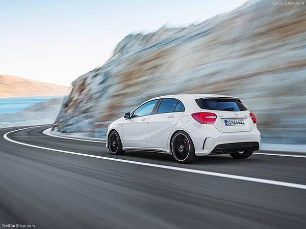 Mercedes-Benz-A45_AMG_2014_800x600_wallpaper_12
