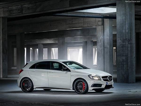 Mercedes-Benz-A45_AMG_2014_800x600_wallpaper_02