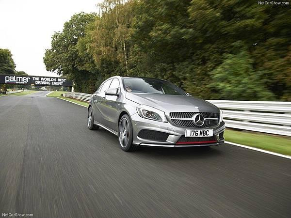 Mercedes-Benz-A-Class_AMG_Sport_2013_800x600_wallpaper_23