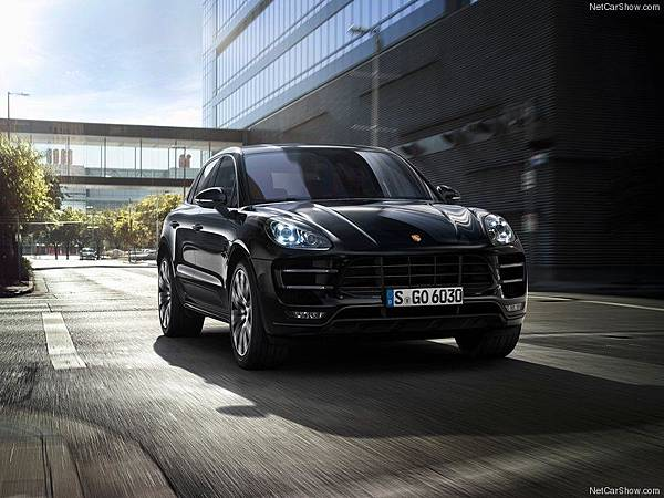 Porsche-Macan_2015_800x600_wallpaper_03