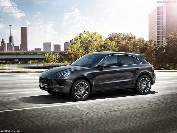 Porsche-Macan_2015_800x600_wallpaper_0b