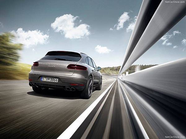 Porsche-Macan_2015_800x600_wallpaper_25
