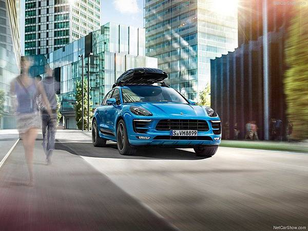 Porsche-Macan_2015_800x600_wallpaper_0c