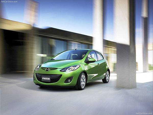 Mazda-2_2011_800x600_wallpaper_0b