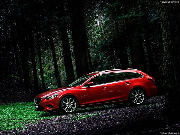 Mazda-6_Wagon_2013_800x600_wallpaper_05