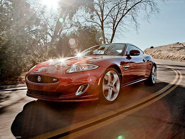 Jaguar-XKR_2012_800x600_wallpaper_03