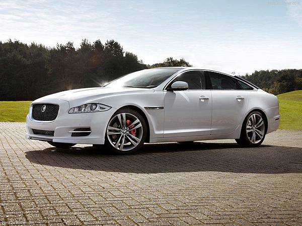 Jaguar-XJ_Sport_Pack_2012_800x600_wallpaper_01