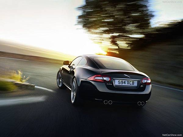 Jaguar-XK_Artisan_SE_2012_800x600_wallpaper_02