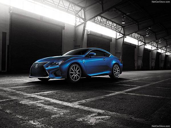 Lexus-RC_F_2015_800x600_wallpaper_0e