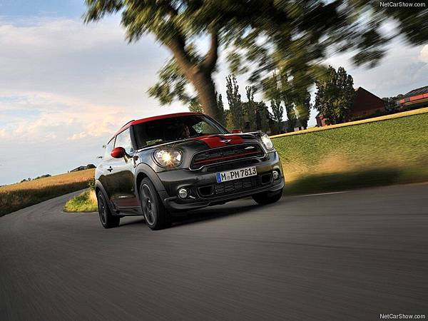 Mini-Paceman_John_Cooper_Works_2015_800x600_wallpaper_29