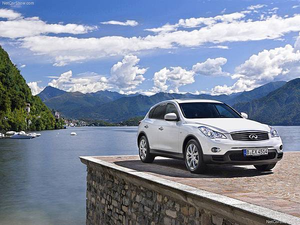 Infiniti-EX30d_2011_800x600_wallpaper_03