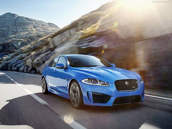 Jaguar-XFR-S_2014_800x600_wallpaper_05