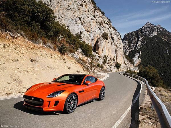 Jaguar-F-Type_R_Coupe_2015_800x600_wallpaper_07