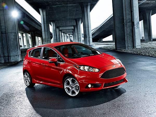 Ford-Fiesta_ST_2014_800x600_wallpaper_04