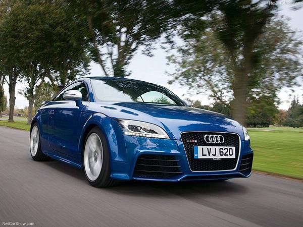 Audi-TT_RS_plus_2013_800x600_wallpaper_03
