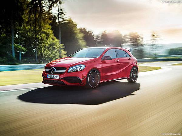 Mercedes-Benz-A45_AMG_4Matic_2016_800x600_wallpaper_05