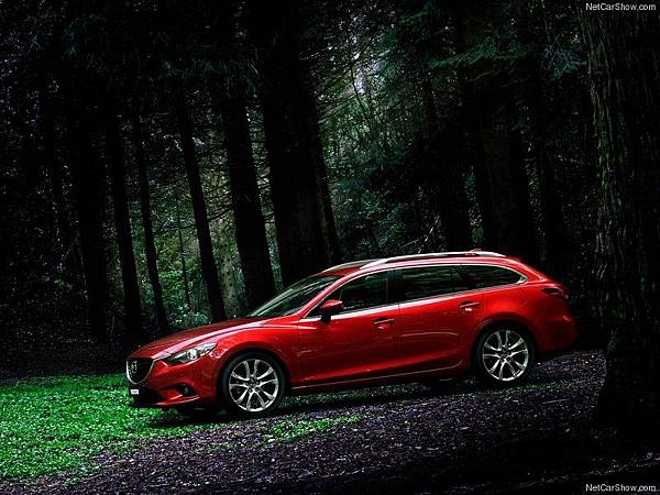 Mazda-6_Wagon_2013_800x600_wallpaper_05.jpg
