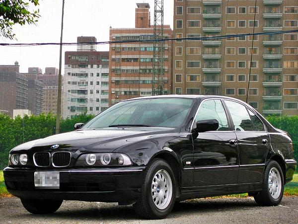 SUM冠威中古車☆1998年 BMW 泛德總代理 E39 520IA☆