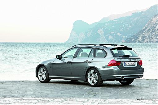 SUM冠威中古車☆實用空間的魅力,BMW小改320d Touring 旅行車  209萬抵台上市☆