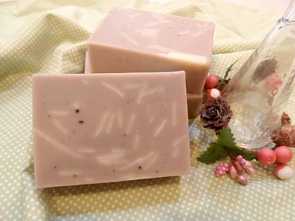 劉大姊代製母乳皂