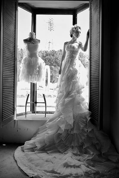 2018年最流行婚紗風格!超美韓風攝影搶先了解個性婚紗照片成為了拍攝主流當英國的優雅結合韓風的唯美,就是今年最新流行的婚紗風格。莎士比亞婚紗