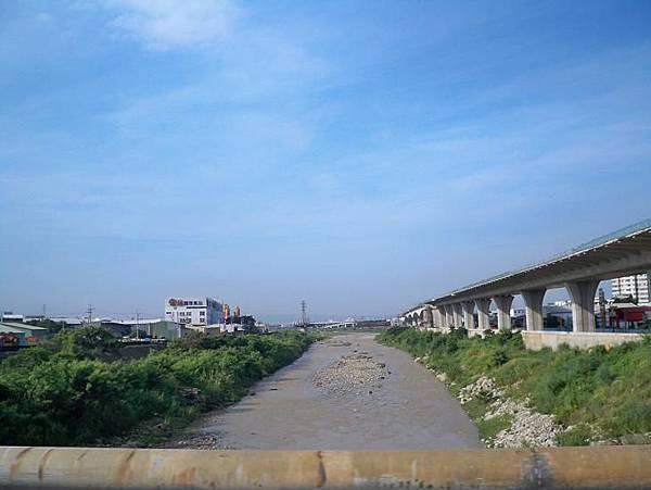 縣136鐵路~中100 39.JPG