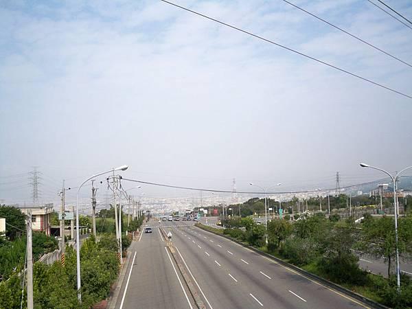 縣道136 100.1.21起點天橋.JPG