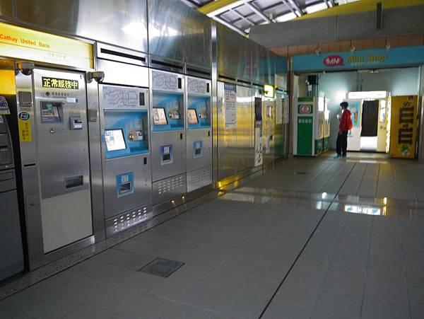 捷運小碧潭站 16