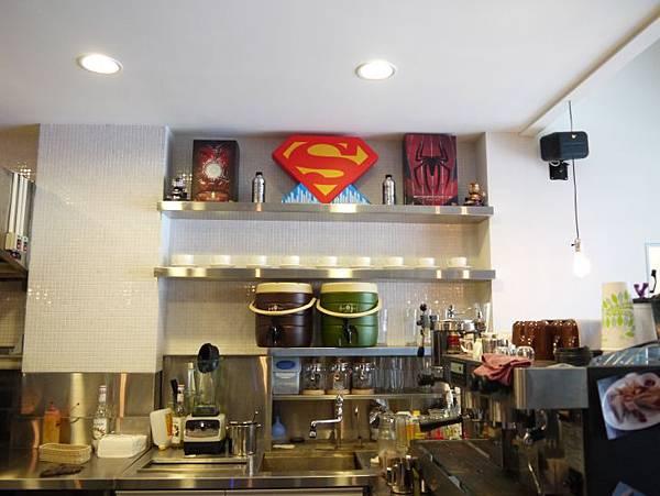 MIGHTY CAFE 07.JPG