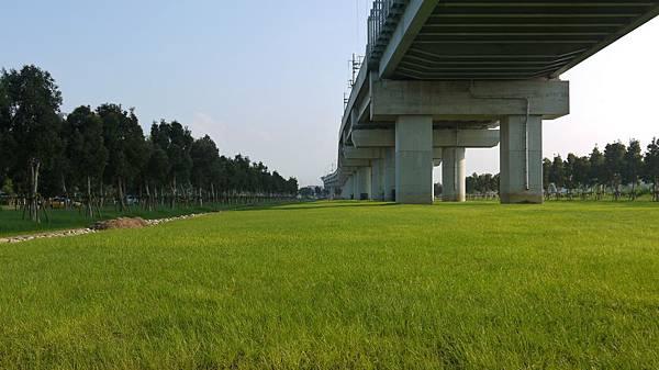 高鐵台中站 02.JPG
