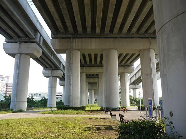 高鐵台中站 09.JPG