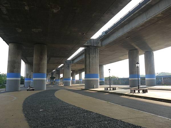 高鐵台中站 10.JPG