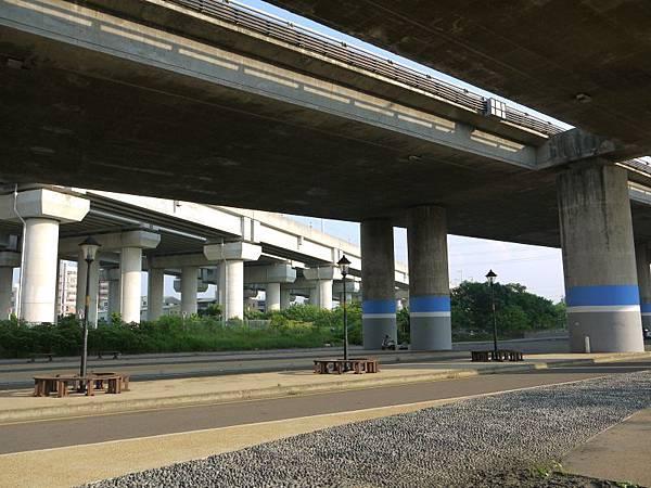 高鐵台中站 11.JPG