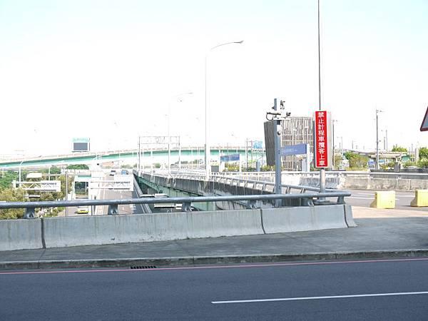 高鐵台中站 35.JPG