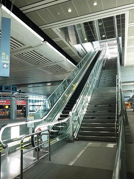 高鐵台中站 74.JPG