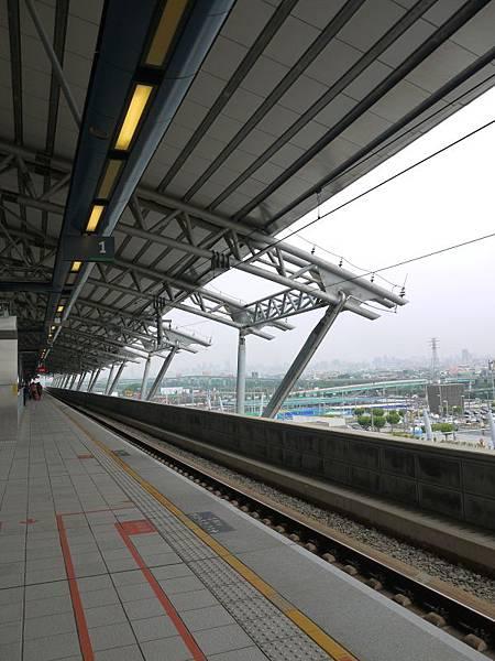 高鐵台中站 78.JPG