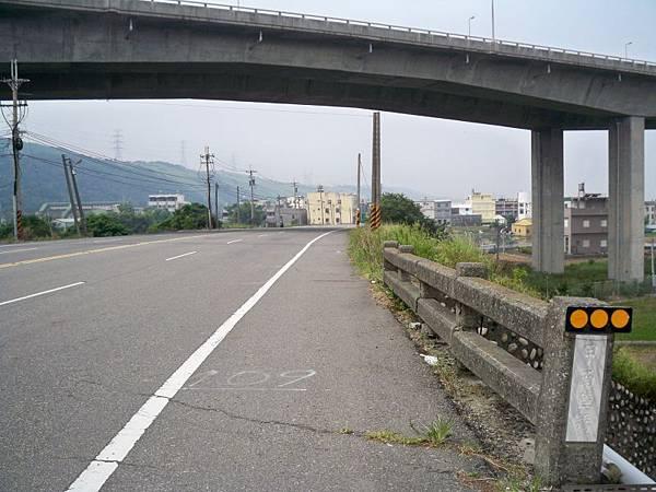 台1甲南.大甲溪橋舊線 19.JPG
