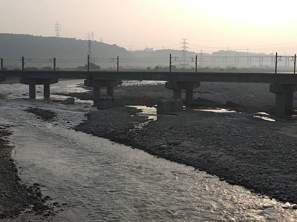 台1甲南.大甲溪橋舊線 34.JPG