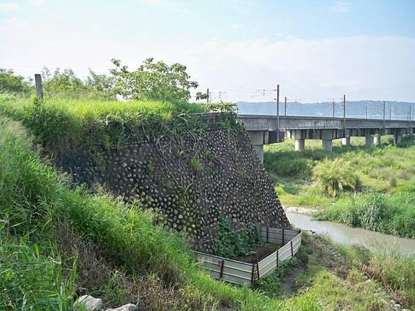 台1甲南.大甲溪橋舊線 37.JPG