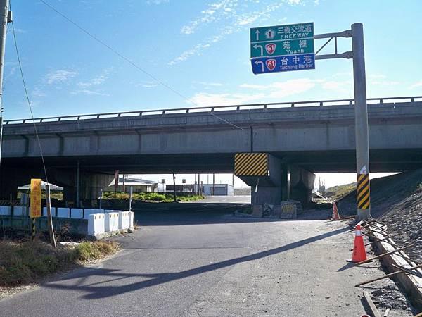 大安溪北岸道路 09.JPG