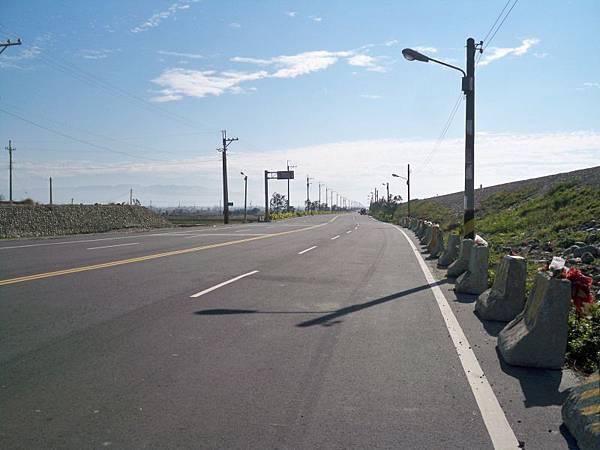 大安溪北岸道路 13.JPG