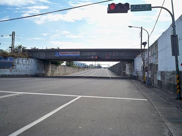 大安溪北岸道路 32.JPG