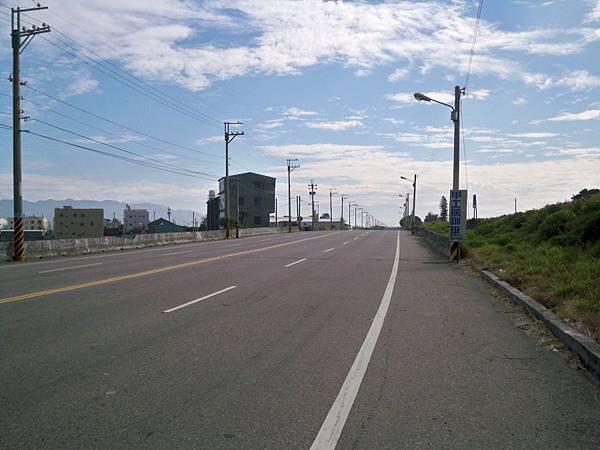大安溪北岸道路 34.JPG