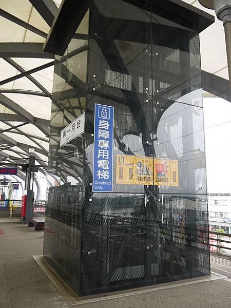 台鐵冬山站 25.JPG