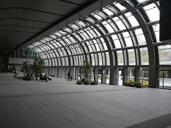 捷運大安森林公園 07.JPG